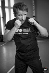 Serge en shadow boxing